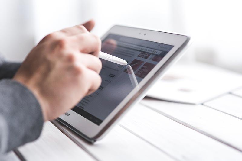 zielgruppe-channel-recruiting-tablet